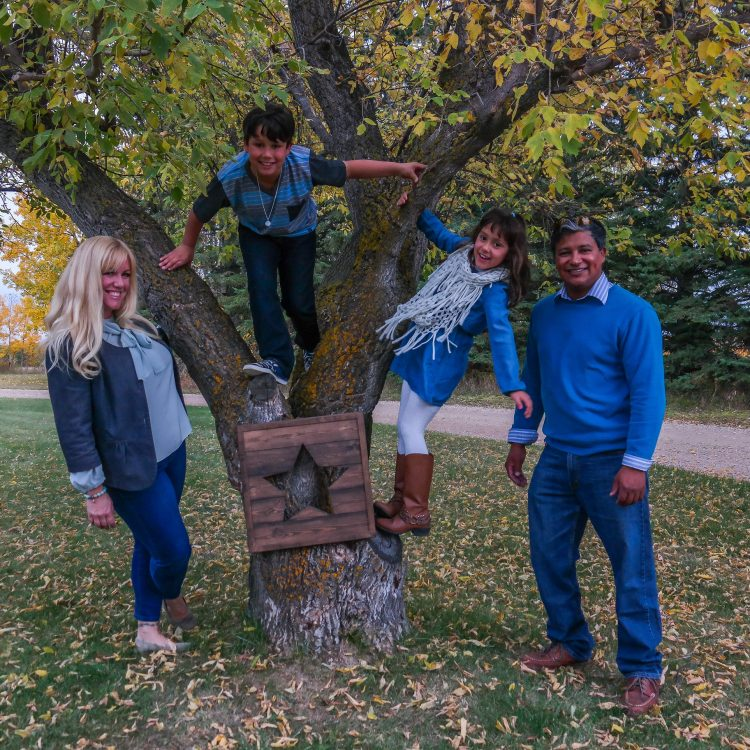 Auburn Bay family photographer, family portraits Calgary